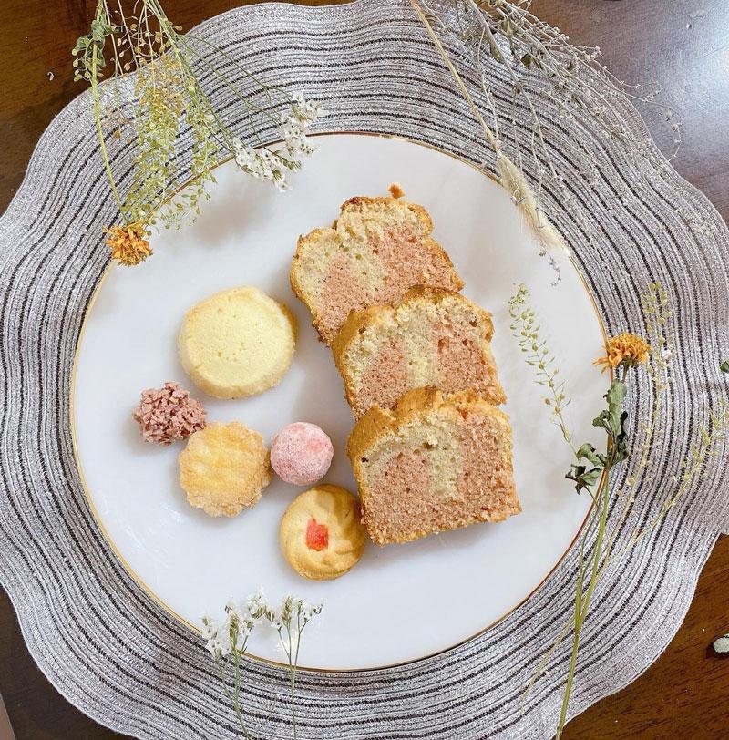 `苺のパウンドケーキ